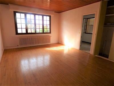 STUDIO A LOUER - SEGNY - 35,39 m2 - 850 € charges comprises par mois