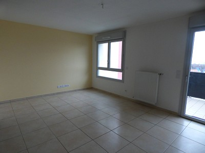 APARTMENT 3 ROOMS TO RENT - GEX - 66,74 m2 - 1 200 € including tenant fees