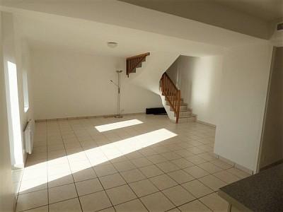 T4 en duplex A LOUER - CESSY - 97,12 m2 - 1450 € charges comprises par mois