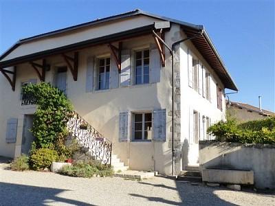 MAISON A LOUER - CHEVRY - 191,82 m2 - 2750 € charges comprises par mois