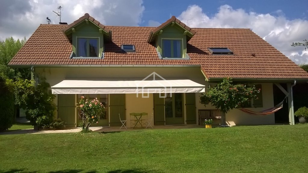 HOUSE TO RENT - CESSY - 192,04 m2 - 3�0 € including tenant fees