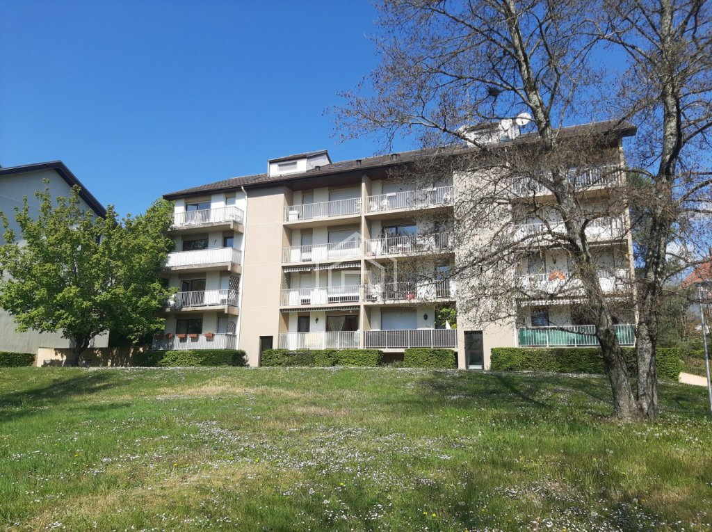 APARTMENT 3 ROOMS TO RENT - DIVONNE LES BAINS - 63,93 m2 - 1�0 € including tenant fees